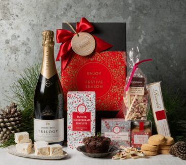 Christmas hampers delivered. Gift Hampers from Gourmet Basket. Corporate Christmas Gift Hamper. Corporate hamper delivery. Christmas hamper delivered.