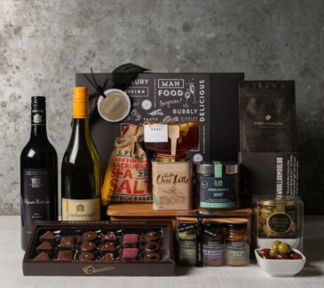Premium Wine Gift Set. Gift Hampers from Gourmet Basket.