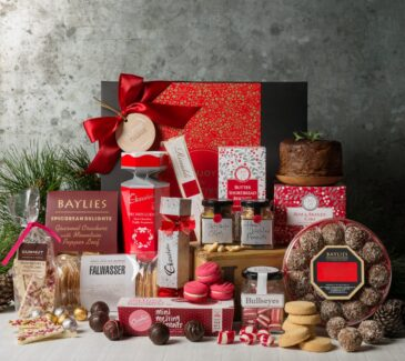 Gift Hampers from Gourmet Basket. Corporate Christmas Gift Hamper. Corporate hamper delivery. Christmas hampers delivered.