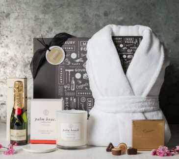 Gift Hampers from Gourmet Basket. Gifts for her. Moet Pamper hamper gift.