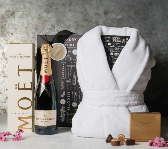 Moet Pamper Treat Gift Hamper