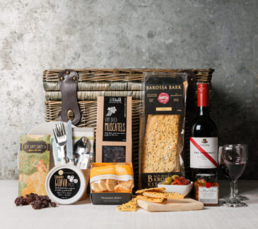 Picnic basket gift hamper. gourmet food gifts from Gourmet Basket