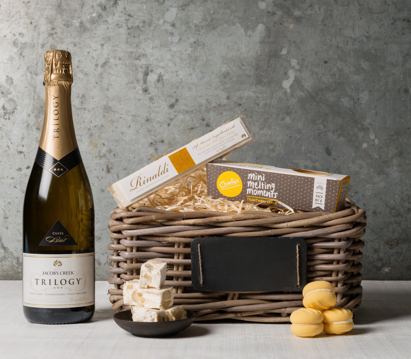 send a welcome basket Support, encourage & inspire with a college care package from hip kits our gifts are great for birthday gifts, to provide fuel for late night study sessions, or just to let them know you're thinking of them.