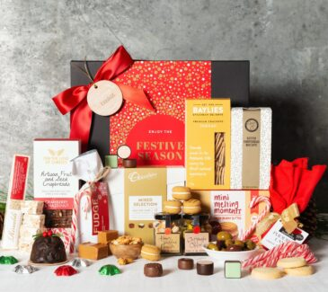 Christmas Gift Baskets 2019.Exceptional Christmas Gift Hampers Stunningly Presented